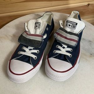 Converse two tongues low tops sneakers size M7 W9